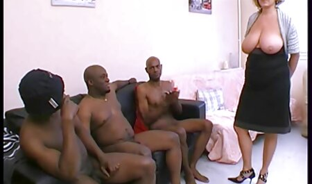 Pintar las mujeres sin bragas, lencería, negro y destruir la puerta en frente de video porno la vecinita tiene antojo la anal
