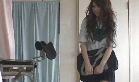 Japonés swingers en el baño y al lado el uno del otro, gritando porno la vecinita tiene antojo pus de ellos