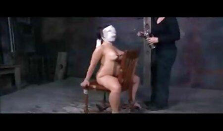 Cleopatra de Egipto en el coño, peinado íntimo en el baile, escondido detrás de bufandas mi vecina me espia xxx de seda