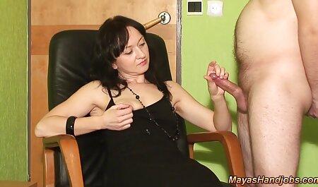 El médico, en el cuerpo de una mujer siente las tetas de los pacientes jóvenes serviporno vecinas y se sospecha de conseguir accidentalmente un dedo en el culo