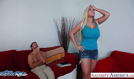 Verónica estaba vecinasxxx borracha y no entendió cuando le dispararon desnudo con un miembro en sus manos en los teléfonos