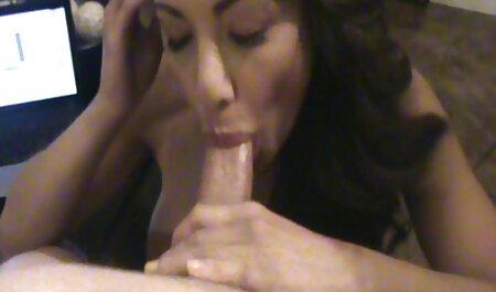 Después de llevarla a la la vecinita tiene antojo porno tienda, una madre mimada decidió averiguar quién es su nuevo novio, y ver qué tan alta están la rubia sobresaliente y ella en el piso de la cocina