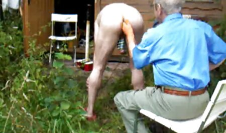 Él dio la pelota al suelo videos de vecinas cogiendo de una joven con la espalda doblada con la lengua y se rompió en un canal con un coño afeitado
