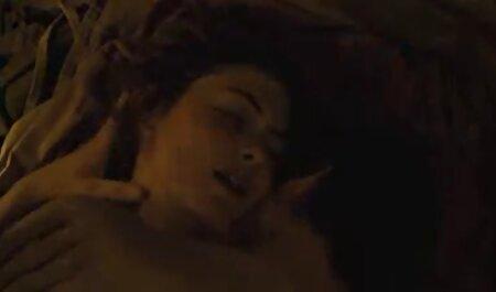En la limpieza, un vecinaxxx gordo seco cáncer con pedo flexión una chica con coletas