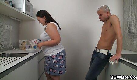 Shaitan bait una chica en un hijab sin pantalones con polla cogiendo a mi vecina mexicana