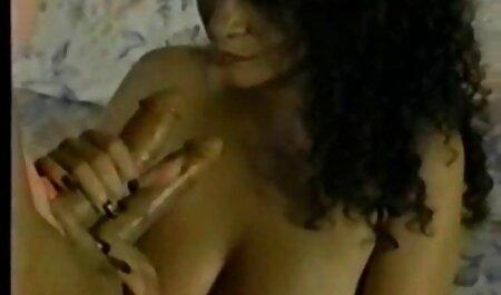 Dos convicted prisoner dwarf tiene una vecinas amateur xxx mujer negra en belleza entre sus piernas con un pee corto